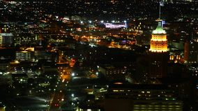 Luchttimelapse, San Antonio de stad in bij nacht 4K stock video