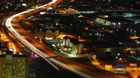Luchttimelapse van de snelwegen van San Antonio bij nacht 4K stock videobeelden