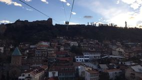 Luchttramspoor van Tbilisi stock videobeelden