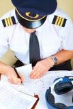 Luchtvaartlijn proef invullend documenten royalty-vrije stock fotografie