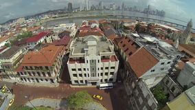 Luchtvideo van antieke huizen bij de Stad van Casco Viejo Panama stock video