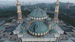 Luchtvideo van de Federale Moskee van het Grondgebied stock footage