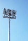 Luci alte dello stadio con il cielo Immagini Stock Libere da Diritti
