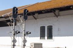 luci d'avvertimento alla stazione ferroviaria Immagine Stock Libera da Diritti