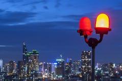 Luci d'avvertimento degli aerei su grattacielo a Bangkok, Tailandia Immagini Stock Libere da Diritti
