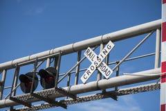 Luci d'avvertimento dell'incrocio di ferrovia Immagini Stock