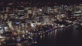 Luci della città, metraggio aereo di aumento 4k stock footage