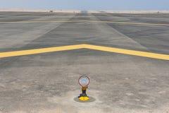Luci di approccio ad una pista dell'aeroporto Immagine Stock Libera da Diritti
