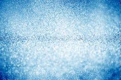 Luci di natale brillanti blu Priorità bassa astratta vaga fotografie stock libere da diritti
