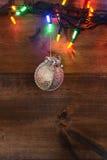 Luci di Natale con la decorazione d'argento Immagini Stock Libere da Diritti