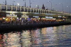 Luci di sera del ponte del ` s di Galata Fotografia Stock Libera da Diritti