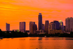 Luci dorate di ora su Austin Texas Skyline Gold Sky Sunset Fotografia Stock Libera da Diritti