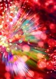 Luci rosse e raggi sui precedenti neri, fondo strutturato di illuminazione, fondo d'ardore granuloso, fibre d'ardore digitali Fotografia Stock Libera da Diritti