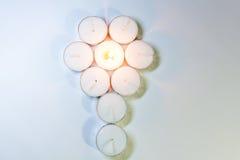 Luci rotonde della candela sistemate Fotografie Stock Libere da Diritti