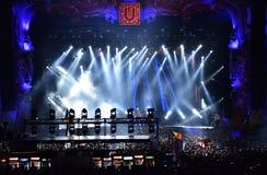 Luci variopinte della fase al concerto Fotografia Stock Libera da Diritti