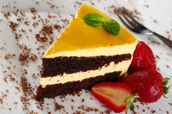 Lucuma Kuchen mit Erdbeere Lizenzfreies Stockfoto