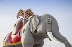 Lucy elefanten i nya Margate - ärmlös tröja royaltyfria foton