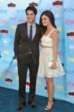 Lucy Hale & Darren Criss stock foto's