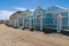 Luderitz, Namibia - 8 de julio de 2014: Edificios coloniales históricos de épocas coloniales alemanas Imagenes de archivo