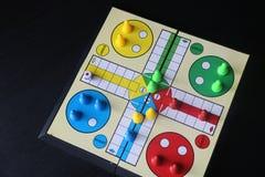 Ludo Επιτραπέζιο παιχνίδι στοκ φωτογραφία με δικαίωμα ελεύθερης χρήσης