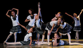 Ludowy taniec: młodość kampus Fotografia Royalty Free