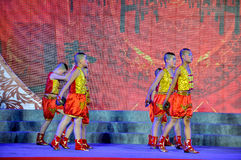 Ludowy taniec na Latarniowym festiwalu Fotografia Royalty Free