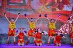 Ludowy taniec na Latarniowym festiwalu Zdjęcie Stock
