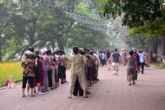Ludzie ćwiczy w parku przy rankiem, Hanoi Wietnam, Październik, - 2 Obrazy Royalty Free