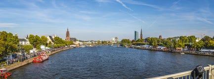 Ludzie świętują 25th rocznicę Niemiecka jedność w Frankfurt Zdjęcia Royalty Free