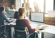 Ludzie Biznesu analizy główkowania finanse sukcesu Wzrostowego pojęcia Zdjęcie Royalty Free