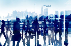 Ludzie Biznesu Podróżują Korporacyjnego Lotniskowego Pasażerskiego Terminal Conce Obraz Stock