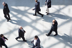 Ludzie biznesu przy uczciwym odprowadzeniem Zdjęcia Stock
