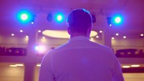 Ludzie biznesu seminaryjnego widowni spotkania szkolenia trenera biznesmena konferencyjnego męskiego głośnikowego studiowania mow zdjęcie wideo