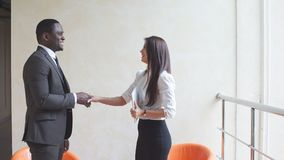 Ludzie biznesu trząść ręki przy spotkaniem Zdjęcie Stock