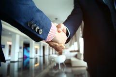 Ludzie biznesu trząść ręki, wykończeniowy up spotkanie Fotografia Royalty Free
