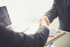 Ludzie biznesu trząść ręki, wykończeniowy up spotkanie interesy ilustracyjni ludzie jpg położenie Zdjęcia Stock