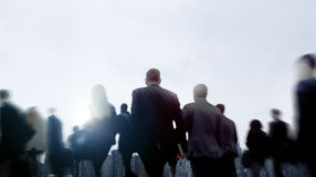 Ludzie Biznesu Walkingn dojeżdżającego pejzażu miejskiego Zwyczajnego pojęcia Zdjęcie Stock