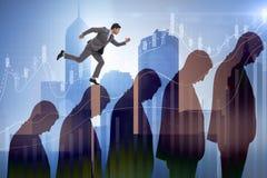 Ludzie biznesu wspina się kariery drabinę w biznesowym pojęciu Obrazy Royalty Free