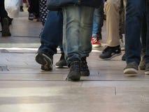 Ludzie chodzić Fotografia Royalty Free