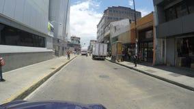 Ludzie chodzi na głównej ulicie w San Jose, Costa Rica na Maju 6, 2015 zbiory wideo