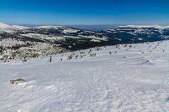 Ludzie Chodzi W gigant górach, Czechia obrazy stock