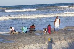 Ludzie cieszą się piękną plażę w St Augustine Zdjęcie Stock