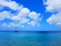 Ludzie cieszą się statku wycieczkowego monarchicznego podróżowanie Aruba, Bonaire, Curacao, Panama i Cartagena, fotografia royalty free