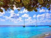 Ludzie cieszą się statku wycieczkowego monarchicznego podróżowanie Aruba, Bonaire, Curacao, Panama i Cartagena, obrazy stock