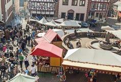 Ludzie cieszą się 24th Barbarossamarkt festiwal Obrazy Stock
