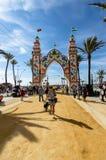 Ludzie cieszy się dobrego dzień przy Feria De Sanlucar De Barrameda zdjęcie stock