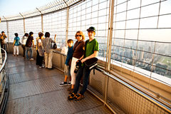 Ludzie cieszy się widok przez Bangkok Zdjęcie Royalty Free