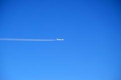 ludzie cukierniani samolotów, zrelaksujcie się brzegu morza niebo Zdjęcia Stock
