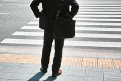Ludzie Czeka na zebry ulicy skrzyżowaniu Zdjęcia Stock