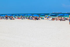 Ludzie enyoy południe plaża fotografia stock